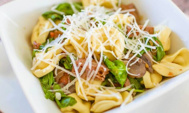 Spinach & Sausage One Pot Pasta (Easy Freezer-to-Slow Cooker Recipe!)