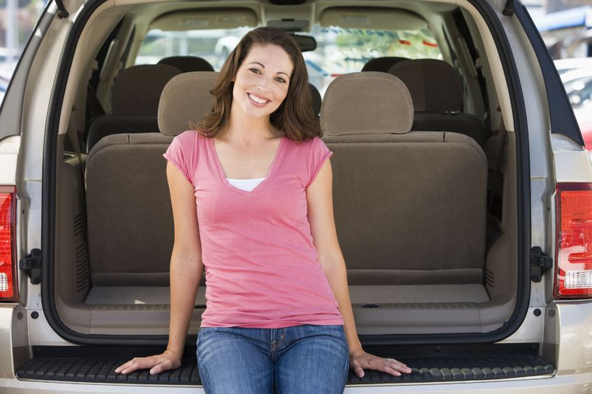 Every woman's dream is to have a clean car but that is not always the case. Ever feel like you LIVE in your car? It's easy to slip into a habit of letting the chaos and clutter inside our vehicles get totally out of control. Unfortunately sometimes all that on-the-go-living leaves us feeling even more stressed! Here's how to get and keep your car clean....permanently! (And yes, it really is possible!)