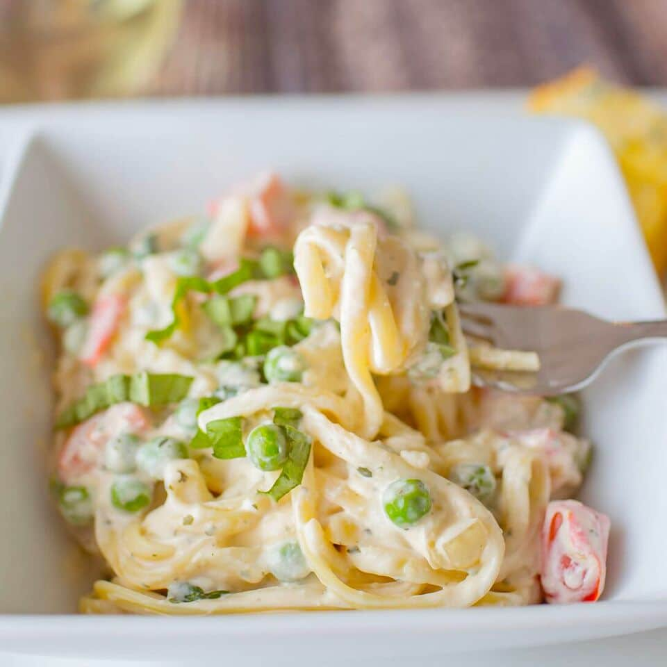 Pasta with Creamy Basil Sauce | One Pot Pasta Recipe | Light Pasta Recipe | 30 Minute Pasta Recipe