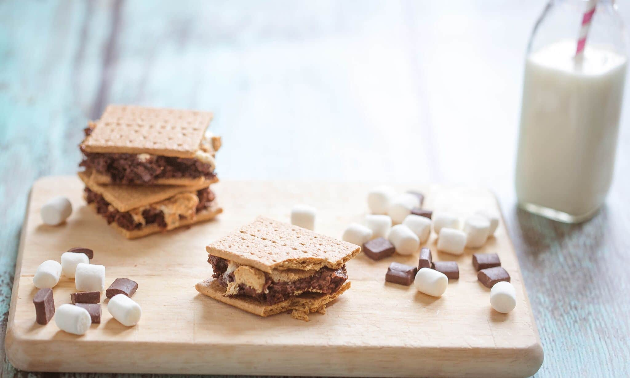 Serve finished s'more brownies with graham crackers.