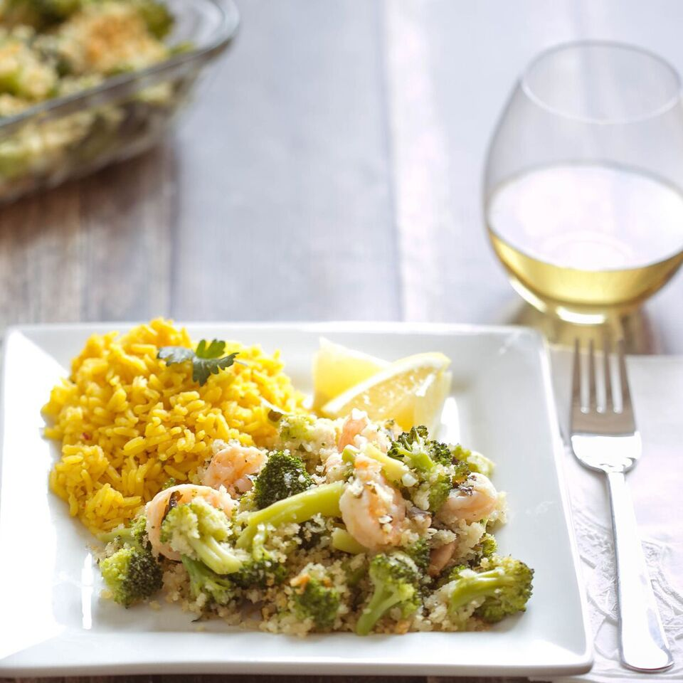 This delicious Shrimp & Broccoli Bake sounds fancy and complicated, but comes together in less than 30 minutes using frozen shrimp (and only one dish!)  Not quite a freezer meal, it's the perfect last-minute dinner solution for a busy night!