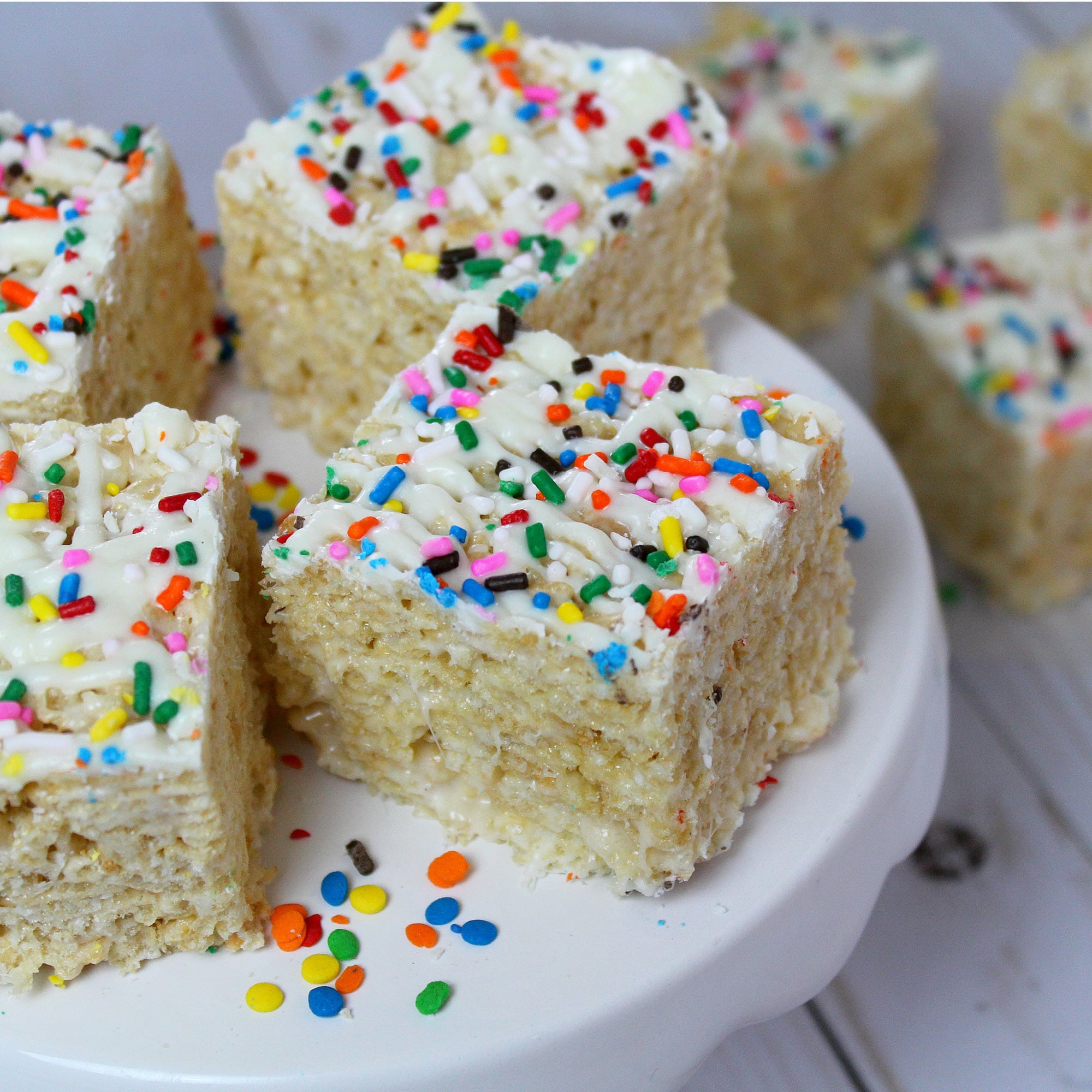 Got 20 minutes? Satisfy your sweet tooth fast with these unbelievably yummy white chocolate rice crispy treats! They are so good it is almost hard to believe that take only 4 ingredients!