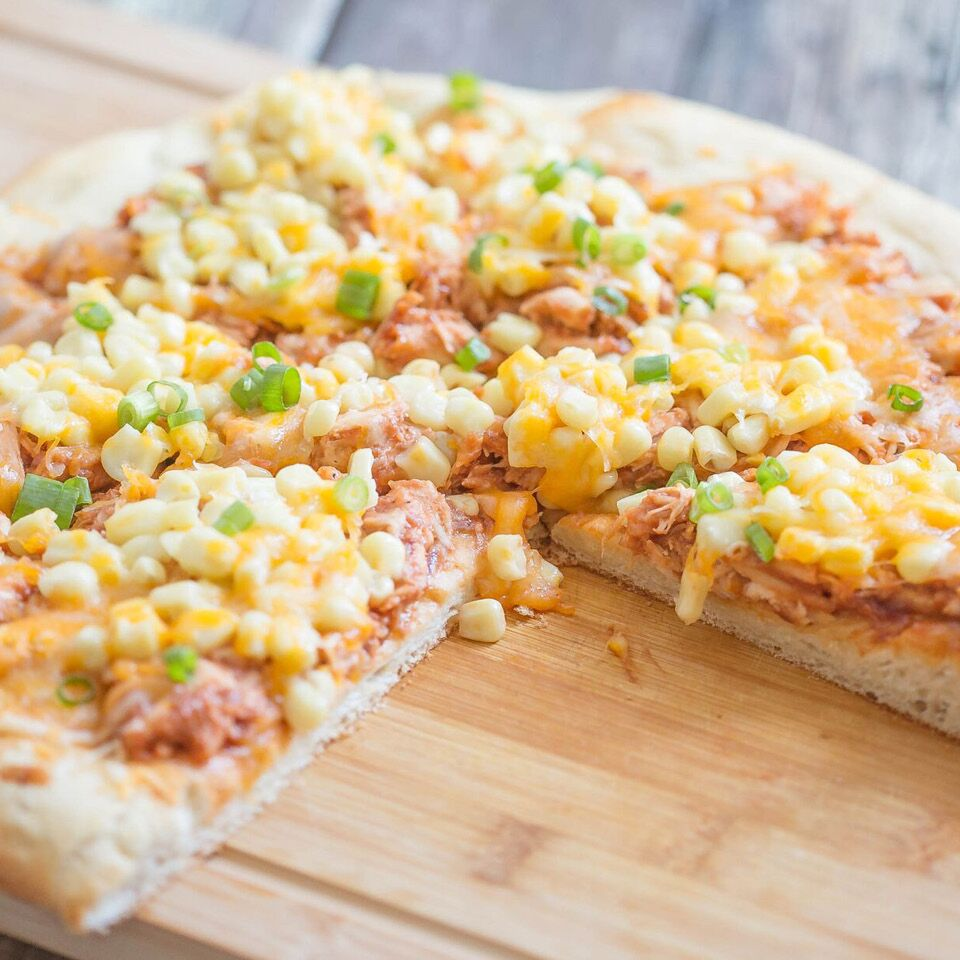 5 Ingredient BBQ Chicken Pizza | Simple 5 Ingredient Recipe | Easy Pizza Dinner | Food Made Simple | Easy Barbecue Pizza