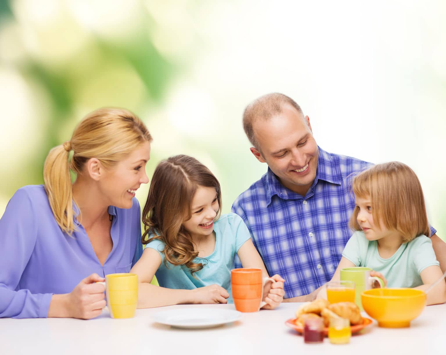 Positive reinforcement and a healthy environment will foster happy relationships between kids and their parents.