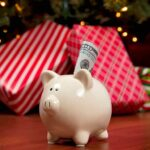 Save Money at Christmas | Manage Holiday Spending | Holiday Planner | Creative Christmas Gifts