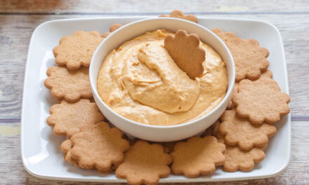 Pumpkin Spice Cookie Dip (Easy 5 Ingredient Recipe!)