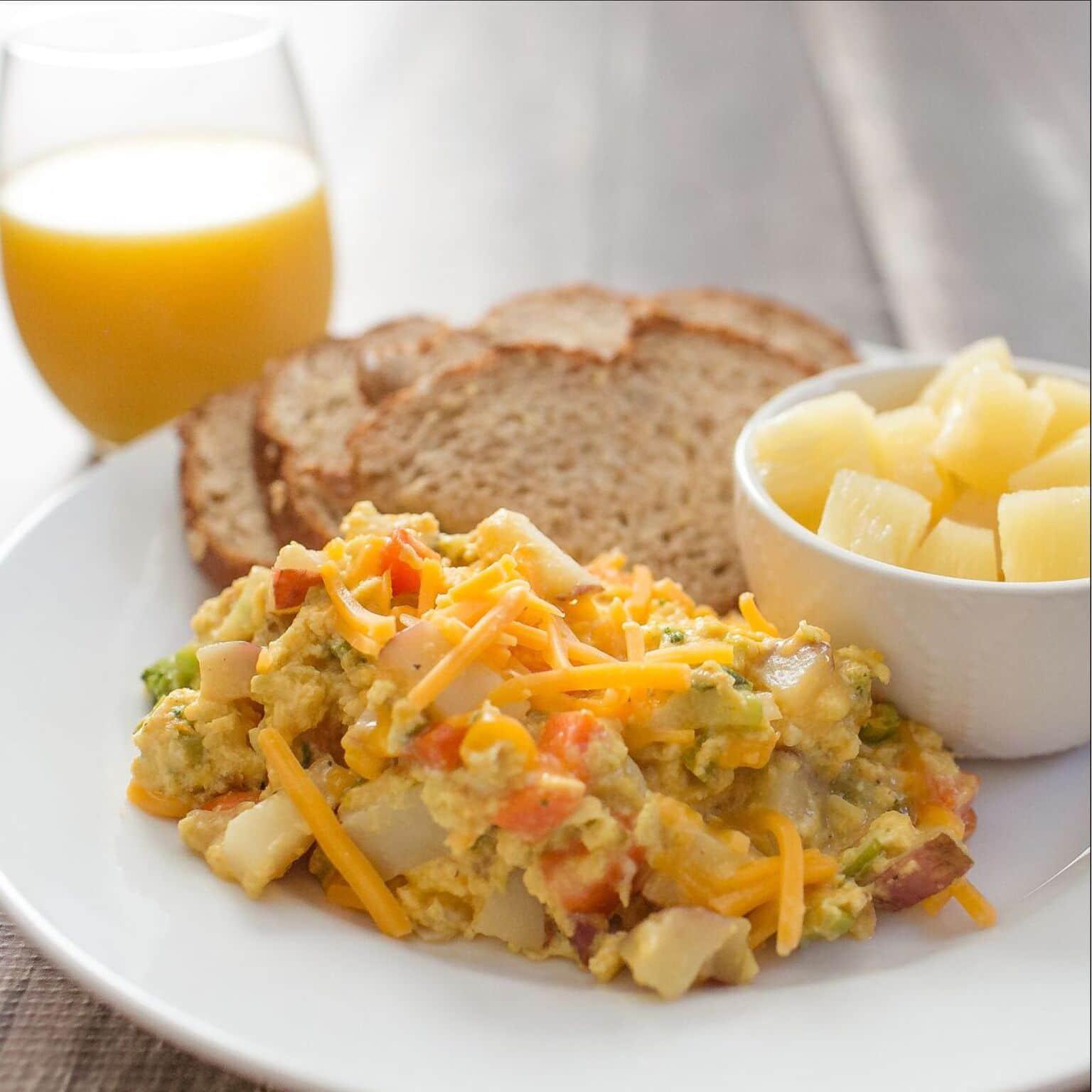 Fresh Veggie Scramble⎢Fast and Healthy Breakfast Recipe⎢Egg Recipe⎢Breakfast Food⎢Food Made Simple⎢Brunch Recipe