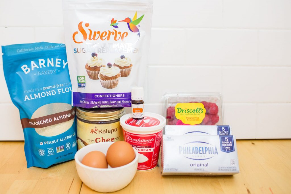 Ingredients for easy keto cheesecake!