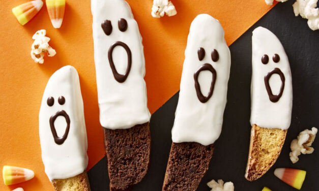 Spooky & Simple Halloween Ideas (That You Can Do in Less than 15 Minutes)