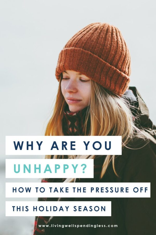 Struggling with unhappiness during the holidays? Don't miss these 4 questions to ask yourself to help take the pressure off this holiday season! #holidays #depression #happiness #holidaymindset #anxiety #mindset #positivity #holidaystress #chaseawaytheblues