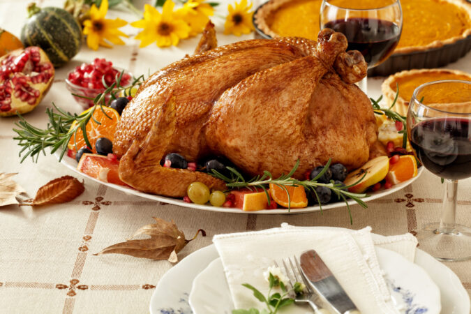 Help My Turkey!! When it comes to Thanksgiving, whether it's your first or your 40th, there will be at least a few things that go wrong. Don't sweat it, simply use this guide to help yourself get right back on track! #holidays #thanksgiving #holidayfails #thanksgivingfails #holidaytips #cookingtips