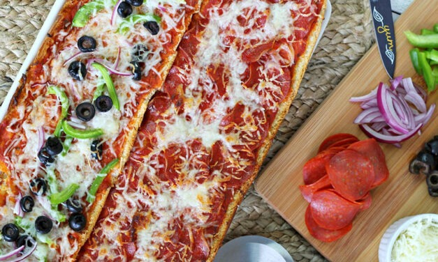 Deliciously Easy Garlic Bread Pizza